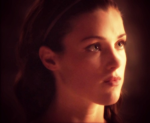 lucygriffiths-fansite:  Lucy Griffiths as Marian ♥