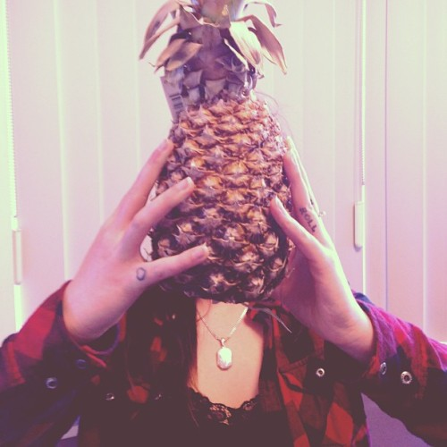 Hi. I'm a pineapple.