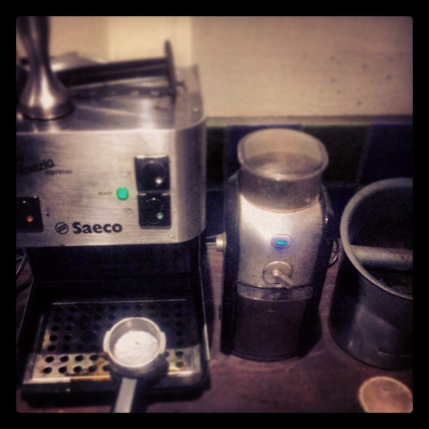 I get by with a little help from my friends #coffee #saeco #villere