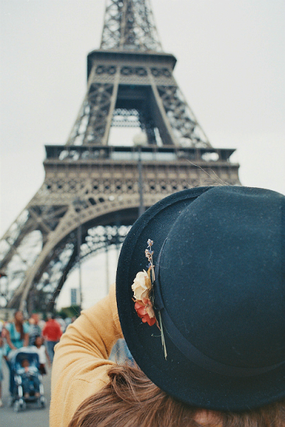 hellanne:  Ginny captures the Eiffel Tower (by Clickedyclickedy)