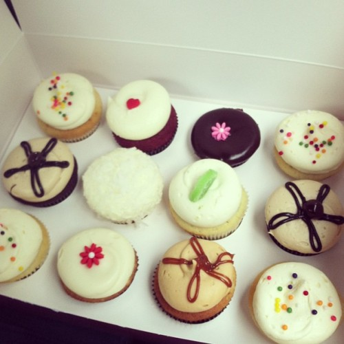 young-wild-and-free1:  Georgetown Cupcakes! yummm