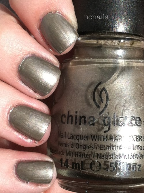 Hook and Line- China Glaze (The Hunger Games Collection, Spring 2012)  This is where I know I had a problem buying nail polish. I don't even really like this color. I just bought it because it was on clearance and I never know when I'll need this color for nail art~~ Now I wont let myself get a new polish unless I am literally gasping in the store, haha.
