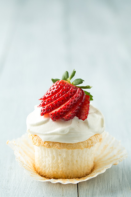 (via Angel Food Cupcakes - Cooking Classy)