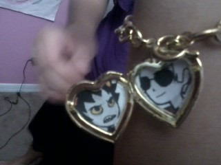tall-circle-town:  I got a locket so my otp could 5ever be in my heart