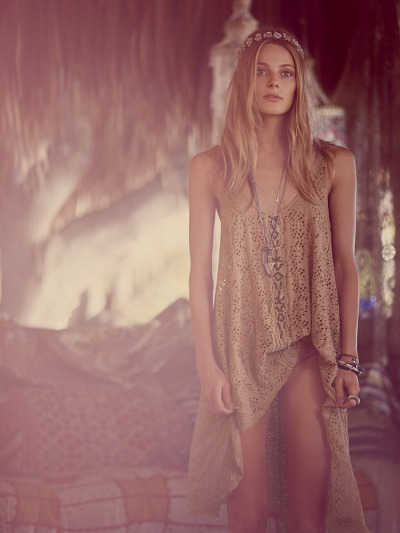 what-do-i-wear:  Free People Catalogue … You can shop everything here.