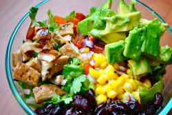 fat2skinnyfast:  yum this is such a good salad!