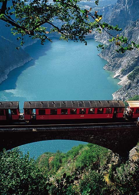 Mountain Railway, Grenoble, France photo via jeffery