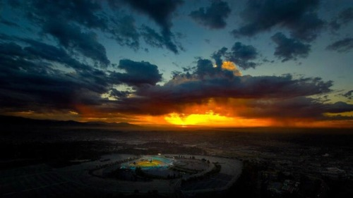 mightyflynn:  Sunrise Over Dodger Stadium Photo by Sam Lafoca via @FLA_Dodger