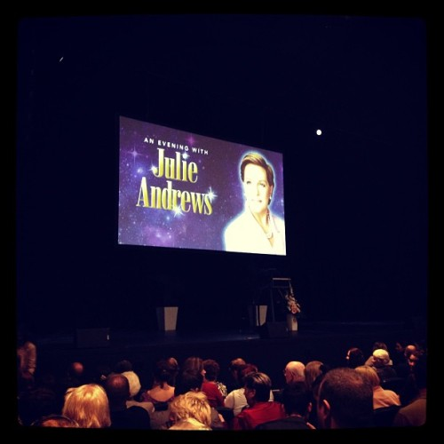 'A Night With Julie Andrews' with @hannahlynell and Mum 😊