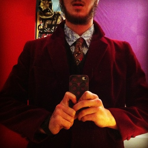 New velvet blazer, it's all kinds of sexy. LOOK@IT! #blazer#suit#formal#beard#gentleman#stylish#mensfasion#70s#tailored#velvet#velvetsuit#sexy#hot#beautiful#sexy#sexy#sexy