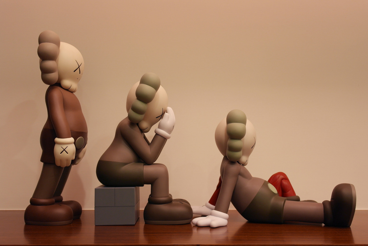 Kaws companion - Passing through by Powen Yang