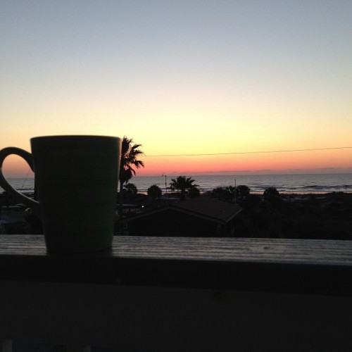 Waiting for the sunrise. #peaceful #sunrise #hottea #twinningslondon #beautiful #Godscreation #quiettime