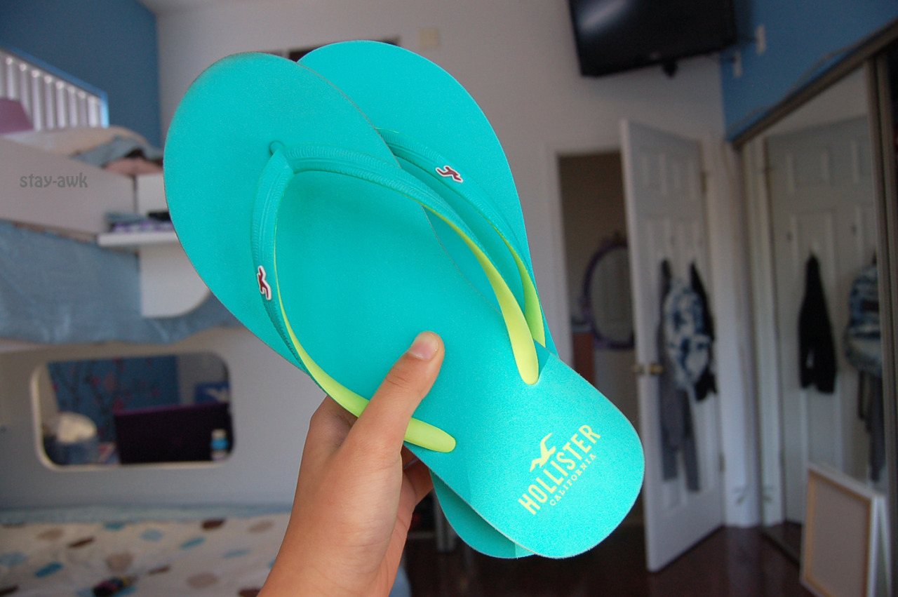 stay-awk:  another flip flop pictures sorry not every sorry bc i love them so much bye