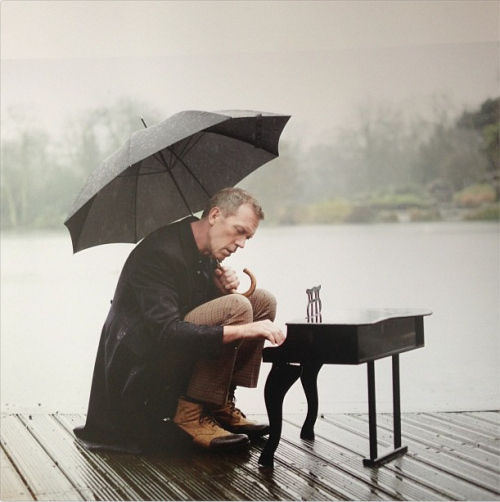 let-them-tour:  Rainy day photo shoot with Hugh Laurie #DidntItRain  ©Mary McCartney Source