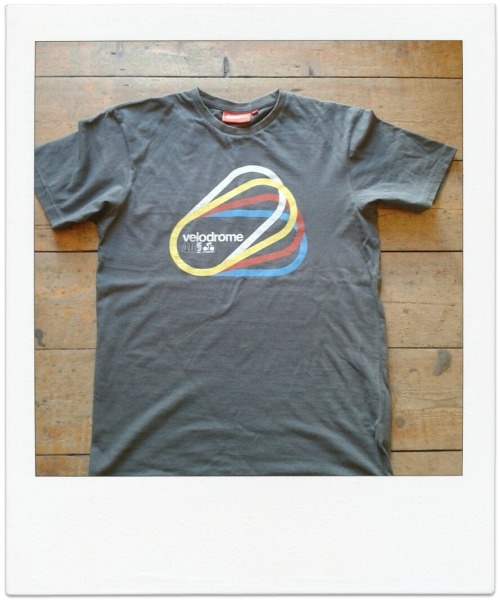 //BRAND NEW JUNKFUNK TEE//VELODROME CYCLING//Charcoal soft cotton tee with unique retro cycling print designed by Huw WilliamsThis succinct cycling-based design is inspired by the markings on the trackhttp://www.junkfunk.com/products/junkfunk-velodrome-cyclists-screenprint-t-shirt-tee-charcoal.html   FB - www.facebook.com/junkfunkshop   IG - junkfunkshop