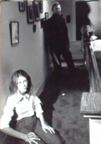 Jamie Lee Curtis and Nick Castle  on the set of Halloween (1978) #jamie lee curtis #nick castle #behind the scenes #1970s#Halloween#halloween 1978#70s movies#70s horror