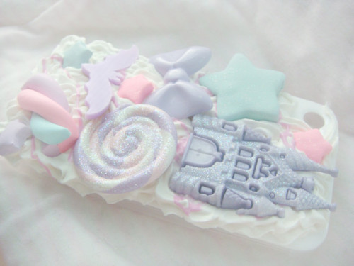 klassy-kawaii:  pastelcocaine:  pastel blog online 24/7 here  ✧Kawaii ✧Goods!✧