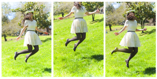 Spring Jump! - from -  SPRING MORNING - 朝の春 - ameliepoulet.com