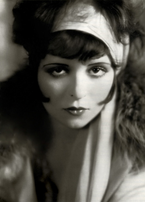 old-hollywood-stars:  Clara Bow Born: Clara Gordon Bow July 29, 1905 in Brooklyn, New York, USA Died: September 27, 1965 (age 60) in West Los Angeles, California, USA