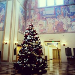 Huge #christmastree in Central #library.  #somewhere  (at Los Angeles Central Library)
