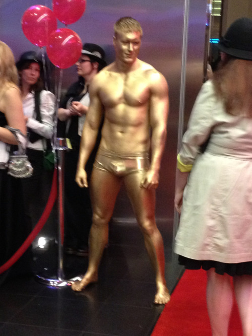 bradleywarshauer:  The Canal Place Oscar party has two dudes in gold body paint. Hi, Oscar.  How #nola throws an Oscars party…