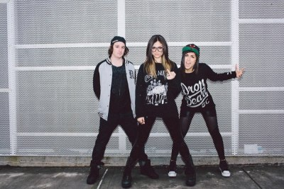 fearandloathing420:  Rainman, Jahan and Yasmine <3  Yasmine is too cool for me