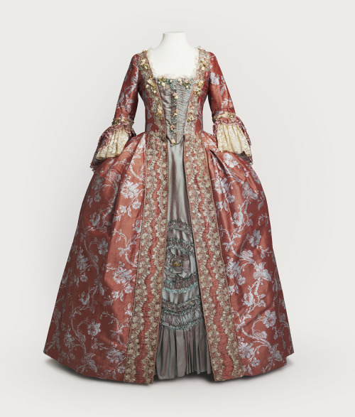Costume designed by James Acheson for Mildred Natwick in Dangerous Liaisons (1988). From Cosprop