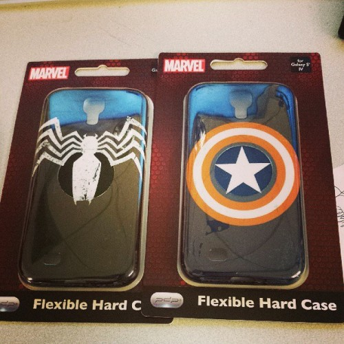 agentmlovestacos:  Terribly hard decision: Do I use the #CaptainAmerica or #Venom case from @pdpmobile with my #GalaxyS4? #Marvel