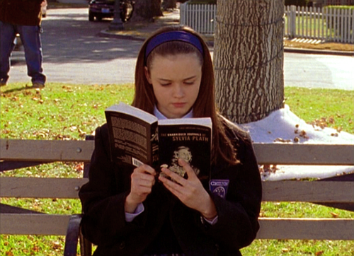 laurajmoss:  Rory Gilmore Reading Challenge Here's a list of the 200+ books Rory mentions throughout all seven seasons of the show.
