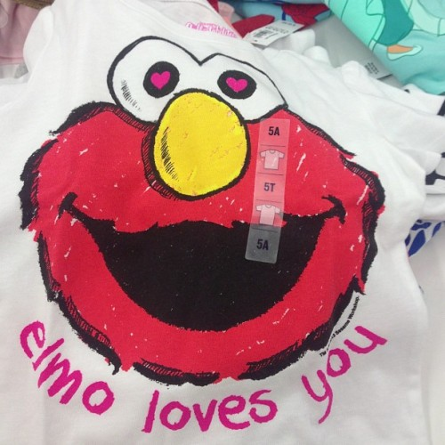 #elmo popped a Molly he sweatin #wooo