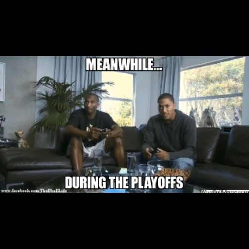 Kobe and D Rose playing 2K During the Playoffs ! #Kobe #Drose
