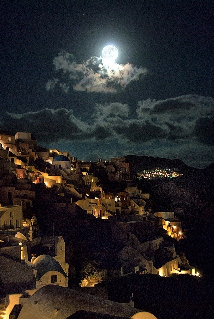 tomorrowsparties:  Noche en Santorini, Grecia