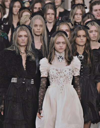 wink-smile-pout:  Chanel Fall 2006 Finale