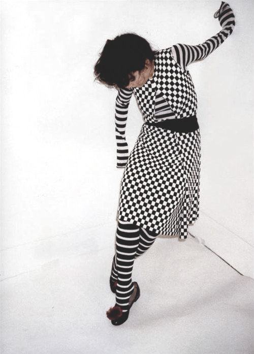 ejakulation:  Bjork in Comme des Garçons photographed by Juergen Teller for Self Service, 2001