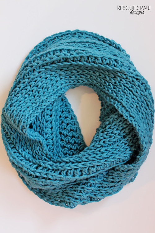 ChunkyCozy Crochet Cowl :: Easy Crochet