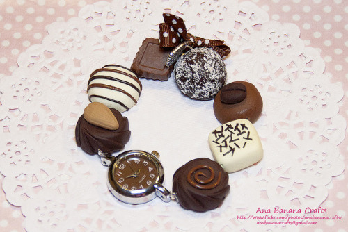 Reloj de bombones de chocolate by Ana Banana Crafts on Flickr.