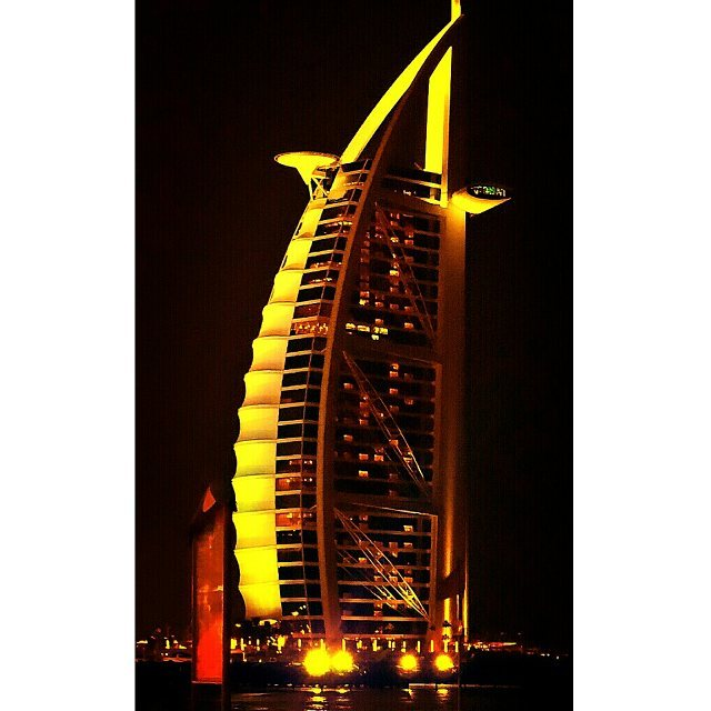 #Dubai #DXB #UAE #BurjAlArab #Bahrain #Hotel #Building #Night #Pudding #2012 #2013 #برج_العرب #الامارات #دبي #تصويري #البحرين  At Dubai