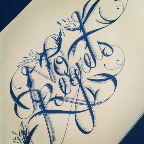 typostrate:  Handwritten Styles  by Raul Alejandro from New York. Inspired by the city and its colourful life he designs a lot of inspirational typographic artworks.