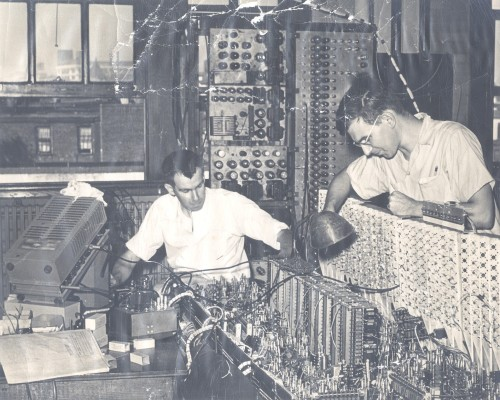 engineeringhistory:  Using an oscilloscope to test electronic equipment