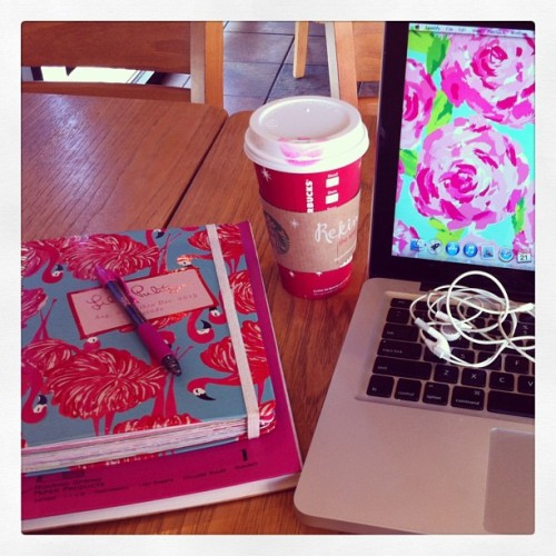 Starbucks and some Lilly Pulitzer make doing schoolwork over Christmas break bearable. #Starbucks #LillyPulitzer #agoodplaylisthelpstoo