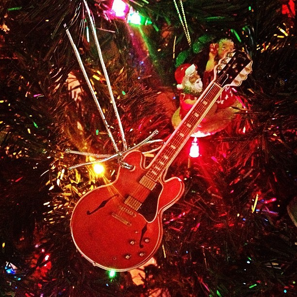 So Santa knows where the cool kids live. - @gibsonguitar  (at Gibson Showroom)