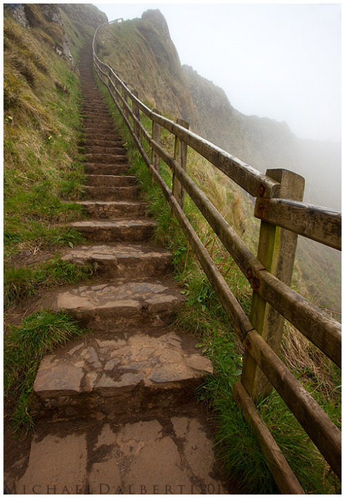 timetravelingdwarf:  Steps to the Ireland Sky by *michael-dalberti