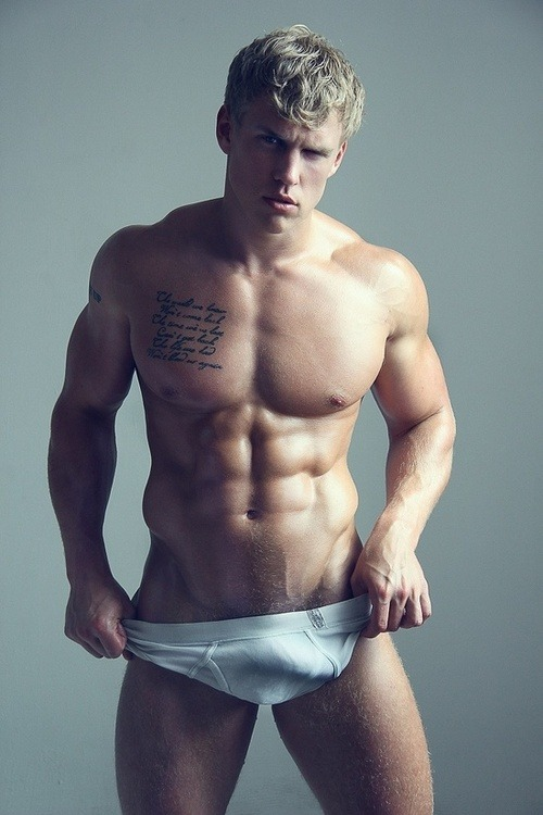 WOW perfection! This guy couldn't be hotter.View Post