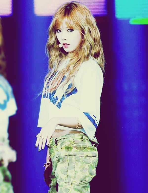 ztiv4nia-hyunatic:  hyuna ♥ is wow