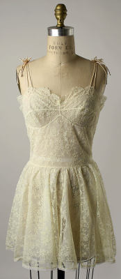 gypsy-soultoblame:  omgthatdress:   Nightgown; 1956; The Metropolitan Museum of Art   Interesting that this looks like a modern sun dress. What was worn to bed in the 50's is everyday fashion in the 21st century.