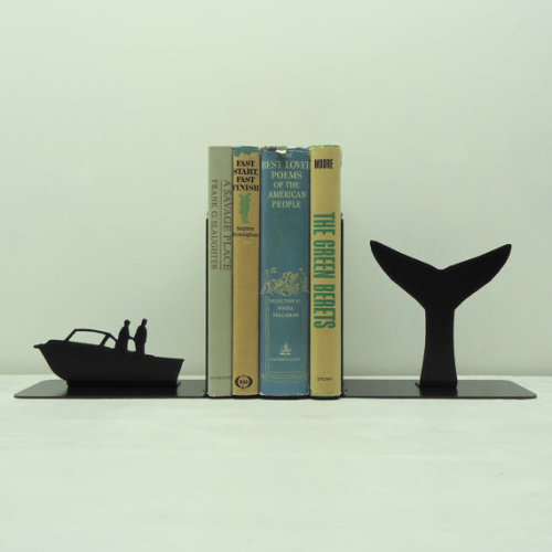 housingworksbookstore:  Whale Tail Metal Art Bookends Free USA by KnobCreekMetalArts Slow day, so maybe we'll put a whale on it. (via)  Want.