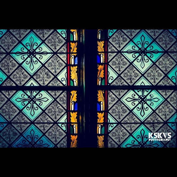 #church #kskvs #stainedglass #glass #stainesglasswindows #windows #beautiful #design #photo #canon #dslr #art #pic #picoftheday #dramatic #all_shots #jj