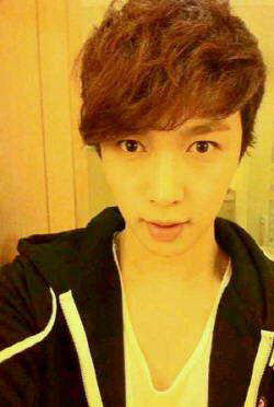 Handsome Yixing *Q*