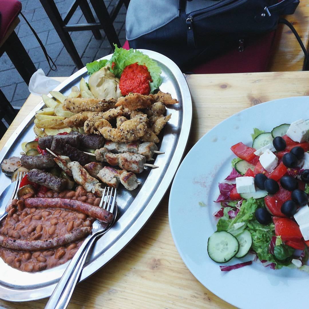 Izazov prihvaćen!! 👌💪🕊 #mijesanomeso #snaga #pubfood (at Pivnica Mali Medo)