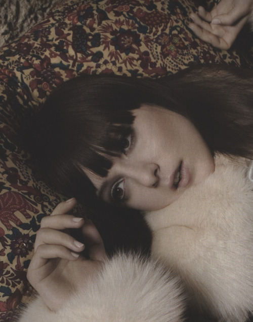 thefashiondontlivewithoutvogue:  Irina Lazareanu by Inez & Vinoodh for Emilio Pucci Fall/Winter 06.07 (Ad Campaign)